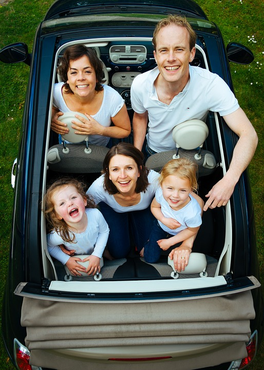 7 CAR ACTIVITIES THAT ENCOURAGE FAMILY BONDING