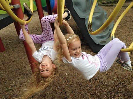 girls in tube
