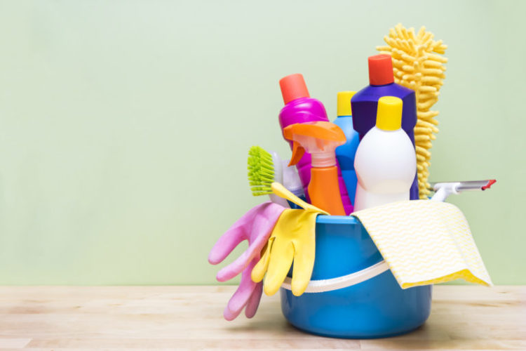 5 natural cleaning products you can make yourself