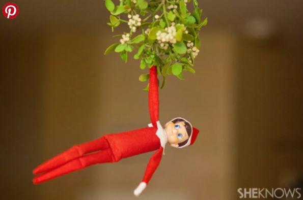 Elf on the Shelf - Mistletoe