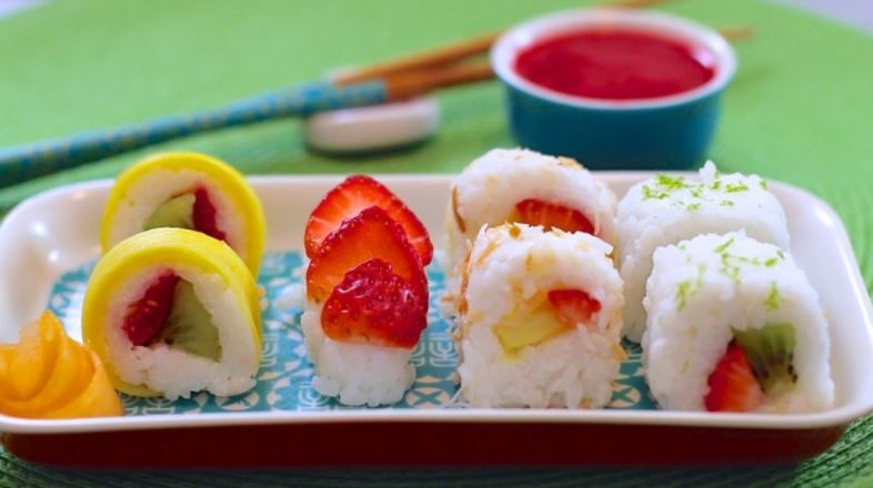 Summer desserts - Fruit sushi