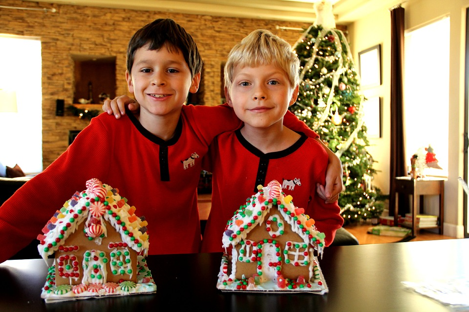 Children's Christmas party - gingerbread houses