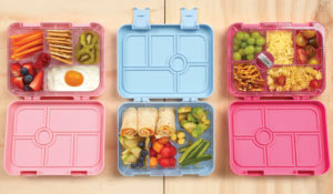 A picture of packed lunchboxes