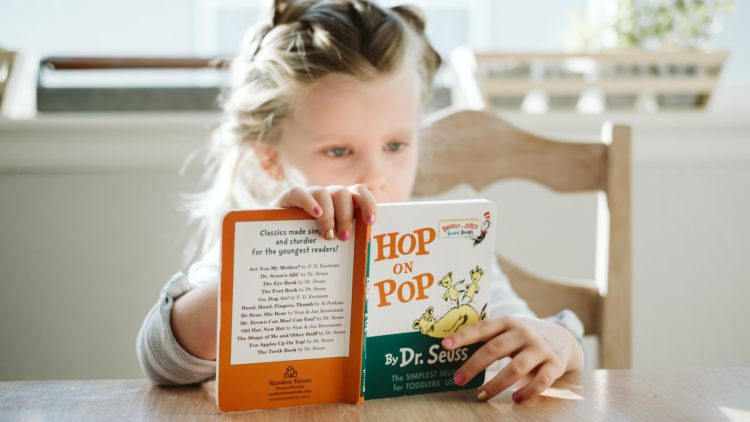 Why reading books is still an important kids' activity